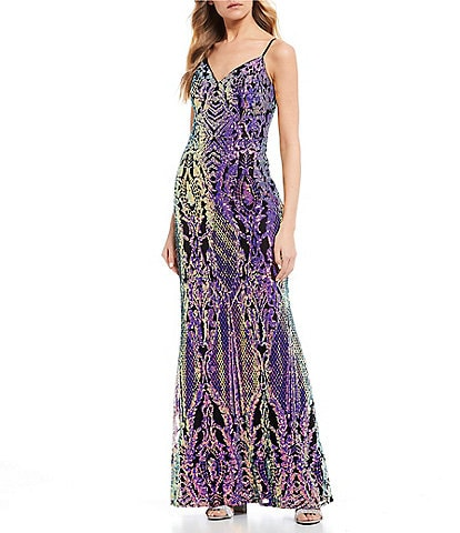 City Vibe Spaghetti Strap V-Neck Applique Pattern Sequin Knit Long Dress