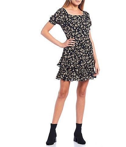 City Vibe Square Neck Short Sleeve Smocked Floral Print Tiered Dress