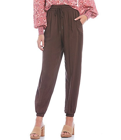 Coco + Jaimeson™ Woven Jogger Pants