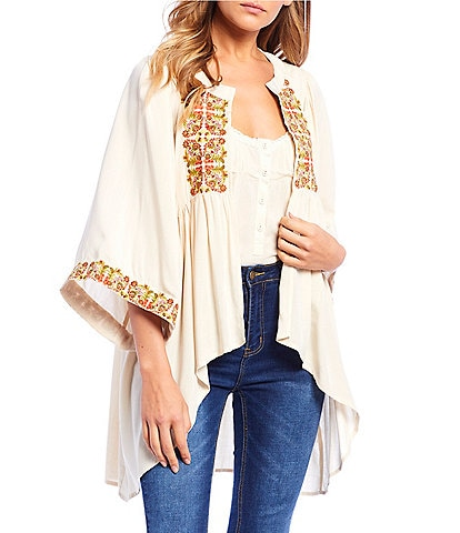 C&V Chelsea & Violet Embroidered High-Low Kimono