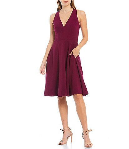 Dress the Population Catalina Crepe V-Neck Sleeveless Fit and Flare Dress