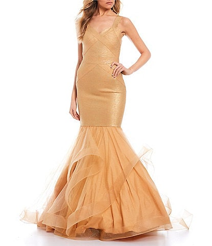 Glamour by Terani Couture Sleeveless V-Neck Bandage Glittered Skirt Trumpet Dress