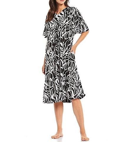 Go Softly Fauna Print Short Sleeve Crinkled Patio Dress