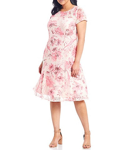 Ignite Evenings Plus Size Floral Short Sleeve Midi Dress