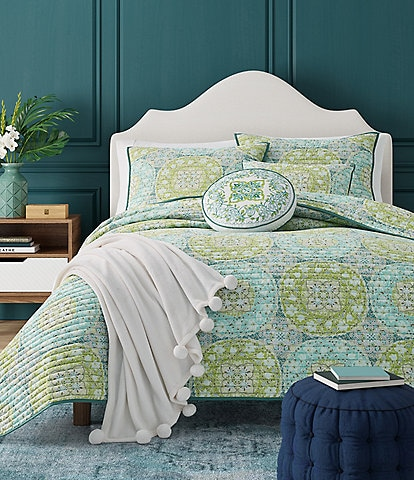 J. By J. Queen New York Avalon Coverlet