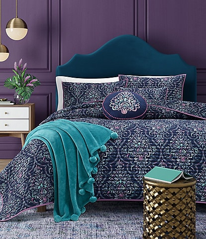 J. By J. Queen New York Kayani Coverlet