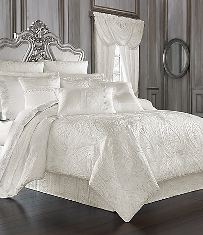 J. Queen New York Bianco Damask Comforter Set