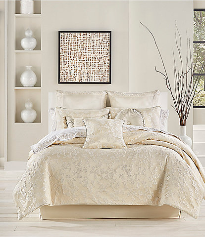 J. Queen New York Blossom Comforter Set