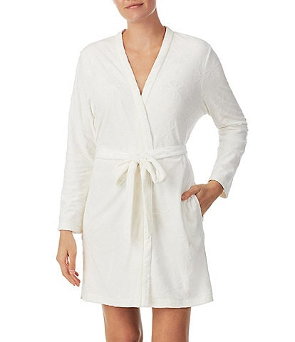 kate spade new york Embossed Floral Plush Long Sleeve Tie-Front Short Wrap Robe