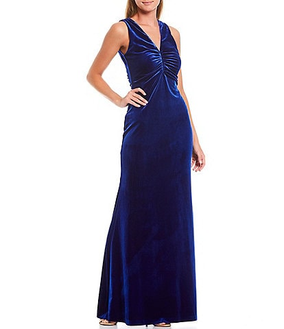 Laundry by Shelli Segal Ruched Front V-Neck Sleeveless Velvet Gown