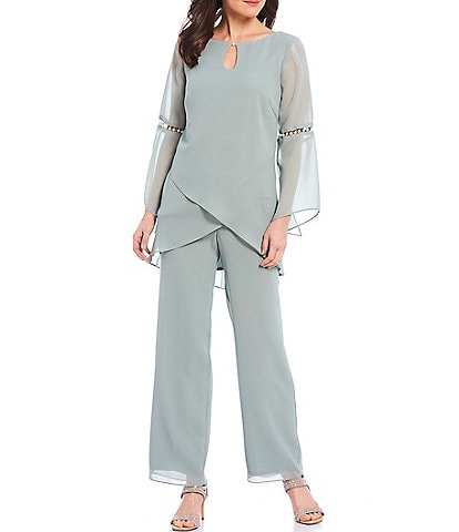 Le Bos Pearl Bell Sleeve Keyhole Pebbled Georgette 2-Piece Pant Set