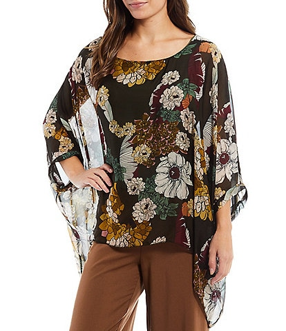 M Made in Italy Floral Print Bracelet 3/4 Sleeve Woven Round Neck Poncho Top