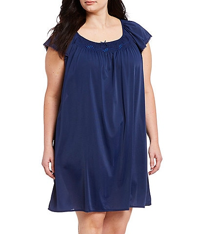 Miss Elaine Plus Embroidered Nightgown