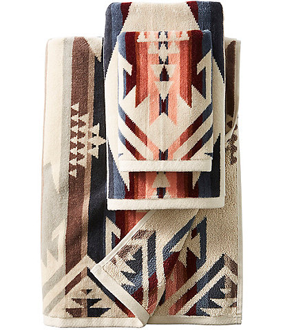 Pendleton White Sands Iconic Jacquard Bath Towels