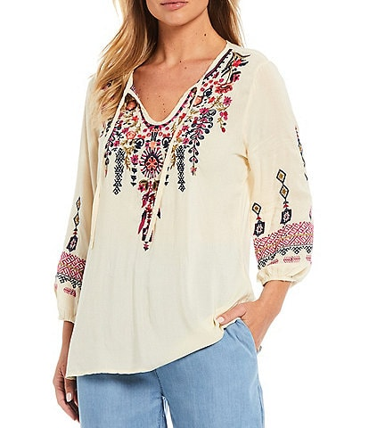Reba Floral Embroidered 3/4 Sleeve Top