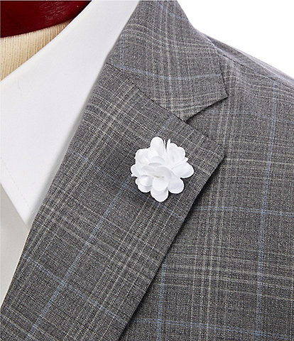 Roundtree & Yorke Boxed Flower Lapel Pin