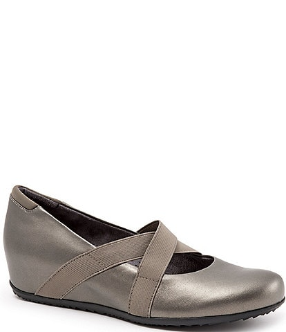 SoftWalk Waverly Leather Criss Cross Elastic Strap Slip-Ons
