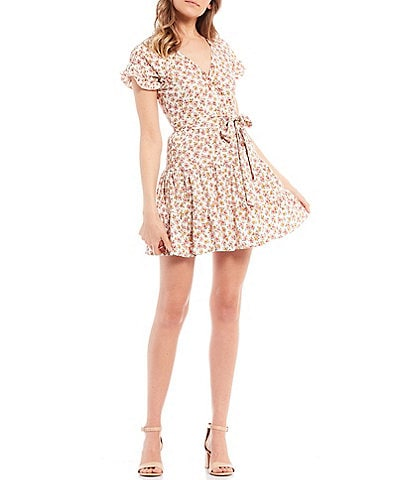 Stilletto's Ditsy Floral Short Sleeve Knit Tiered Faux Wrap Dress