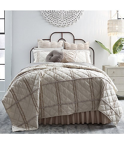 Studio D Cara Chenille Applique Quilt Mini Set