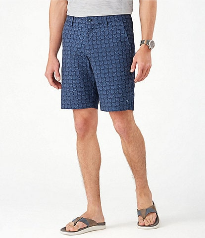 Tommy Bahama Chip Shot Pineapple Stretch 10#double; Inseam Shorts
