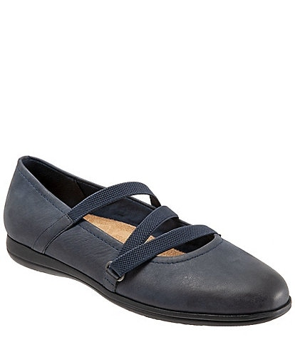 Trotters Della Leather Wedge Slip Ons