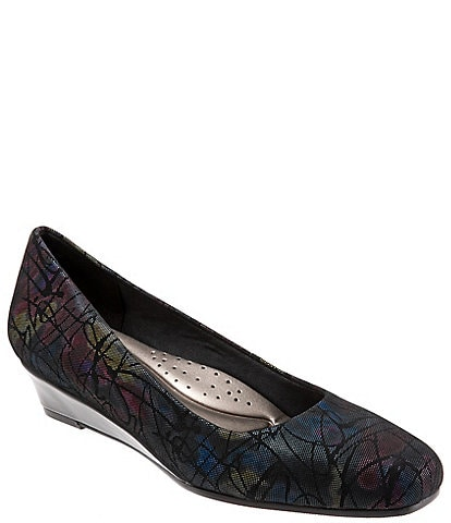 Trotters Lauren Floral Printed Leather Wedge Pumps