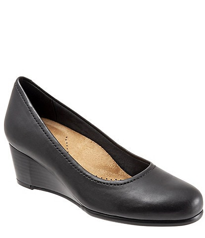 Trotters Winnie Leather Wedge Pumps