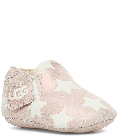 UGG® Girls' Roos Metallic Star Print I Crib Shoes (Infant)