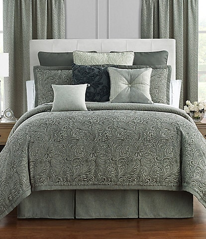 Waterford Garner Feathered Scroll Jacquard Comforter Set