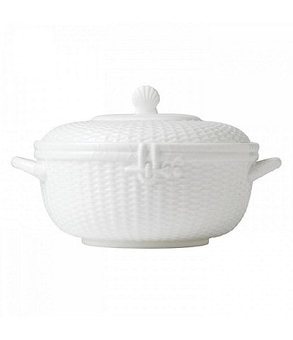 Wedgwood Nantucket Basket Sculpted Bone China Covered Vegetable Bowl