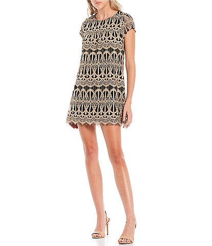 Xtraordinary Cap Sleeve Two-Tone Lace Shift Dress