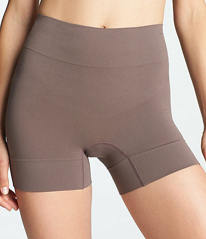 Yummie Bria Comfortably Curved Shaping Short