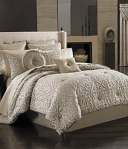 Image of J. Queen New York Astoria Comforter Set