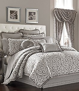 Image of J. Queen New York Luxembourg Silver Comforter Set