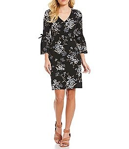 Image of Jessica Howard Bell-Sleeve Velvet-Trim Floral Shift Dress