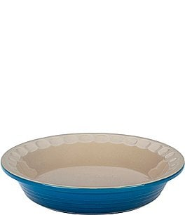 "Image of Le Creuset Heritage 9"" Scalloped Stoneware Pie Dish"
