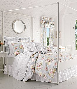 Image of Piper & Wright Stella Eyelet-Trimmed Floral Reversible Comforter Set