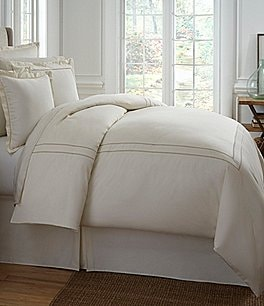 Image of Southern Living Heirloom 500-Thread-Count Sateen & Twill Comforter