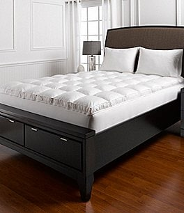 Image of Southern Living Max Loft Down Alternative 460-Thread-Count Mattress Topper