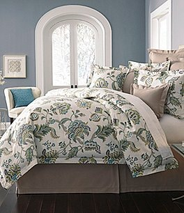 Image of Villa by Noble Excellence Orianna Ikat Floral Comforter Mini Set