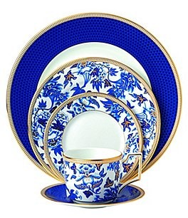 Image of Wedgwod Hibiscus 5-Piece Place Setting