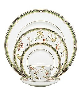 Image of Wedgwood Oberon Chinoiserie Floral Vine Gold Bone China 5-Piece Place Setting