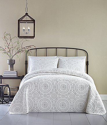 Image of Jessica Simpson Medallion Bedspread
