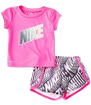 Image of Nike Baby Girls 12-24 Months Short-Sleeve Laser Block Tee & Printed Sprinter Shorts Set