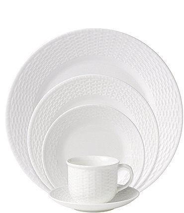 Image of Wedgwood Nantucket Basket Sculpted Bone China 5-Piece Place Setting