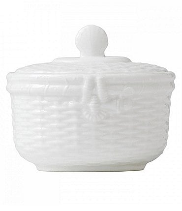 Image of Wedgwood Nantucket Basket Sculpted Bone China Sugar Bowl with Lid