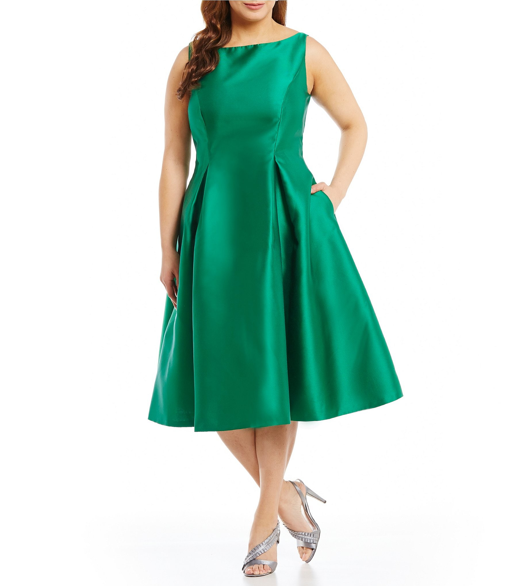 What Color Shoes To Wear With A Emerald Green Dress