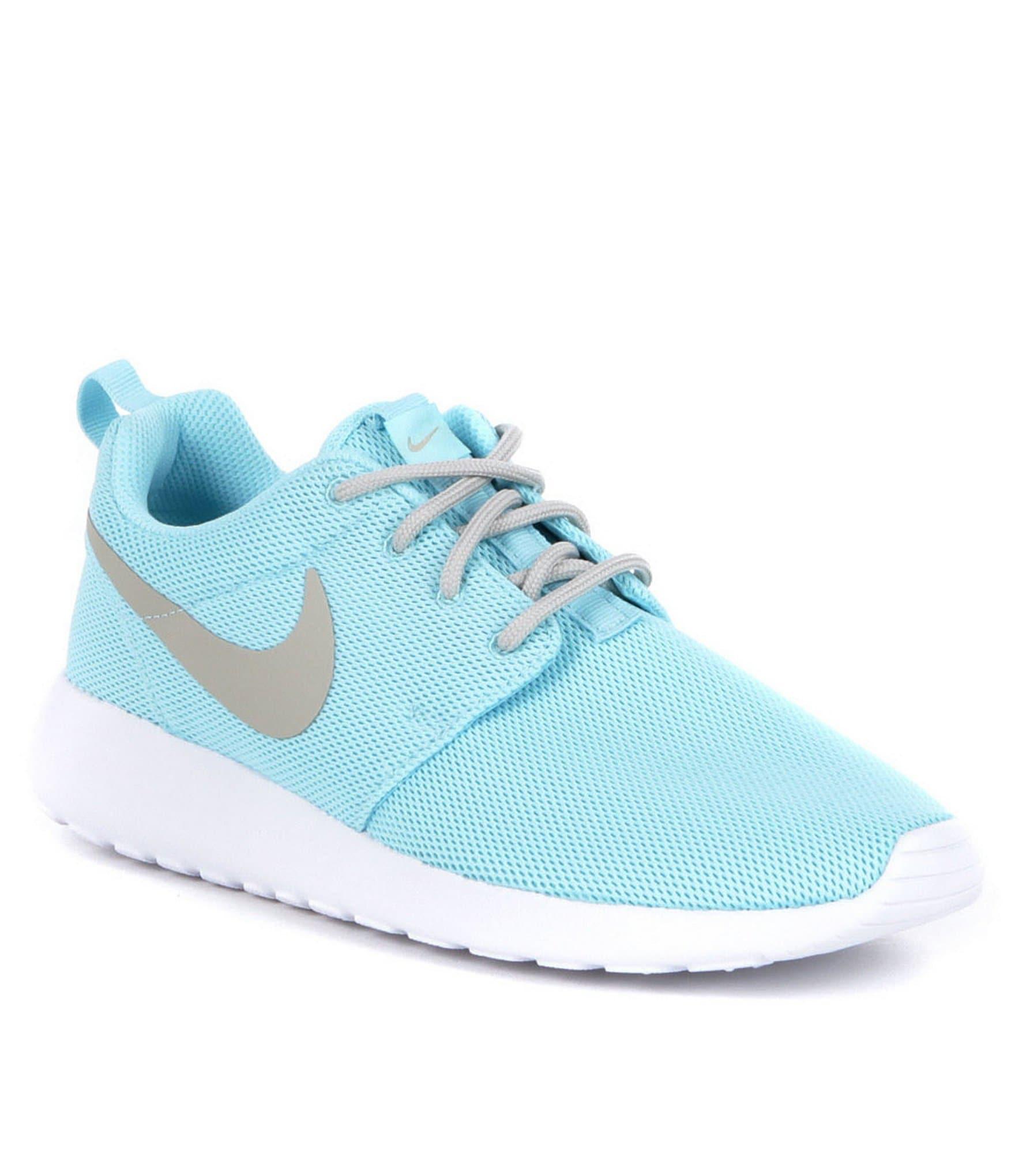 Nike Sneakers For Women Roshe