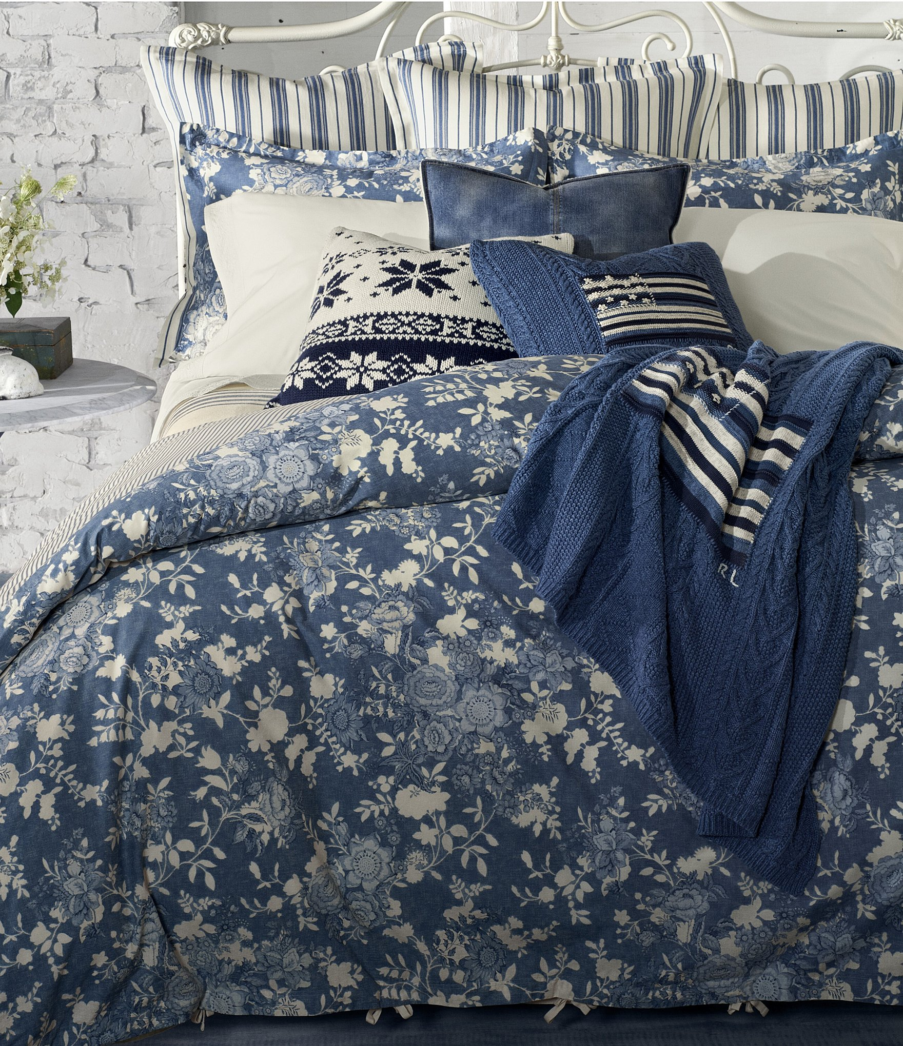 Picture of: Ralph Lauren Indigo Cottage Floral Comforter Dillard S