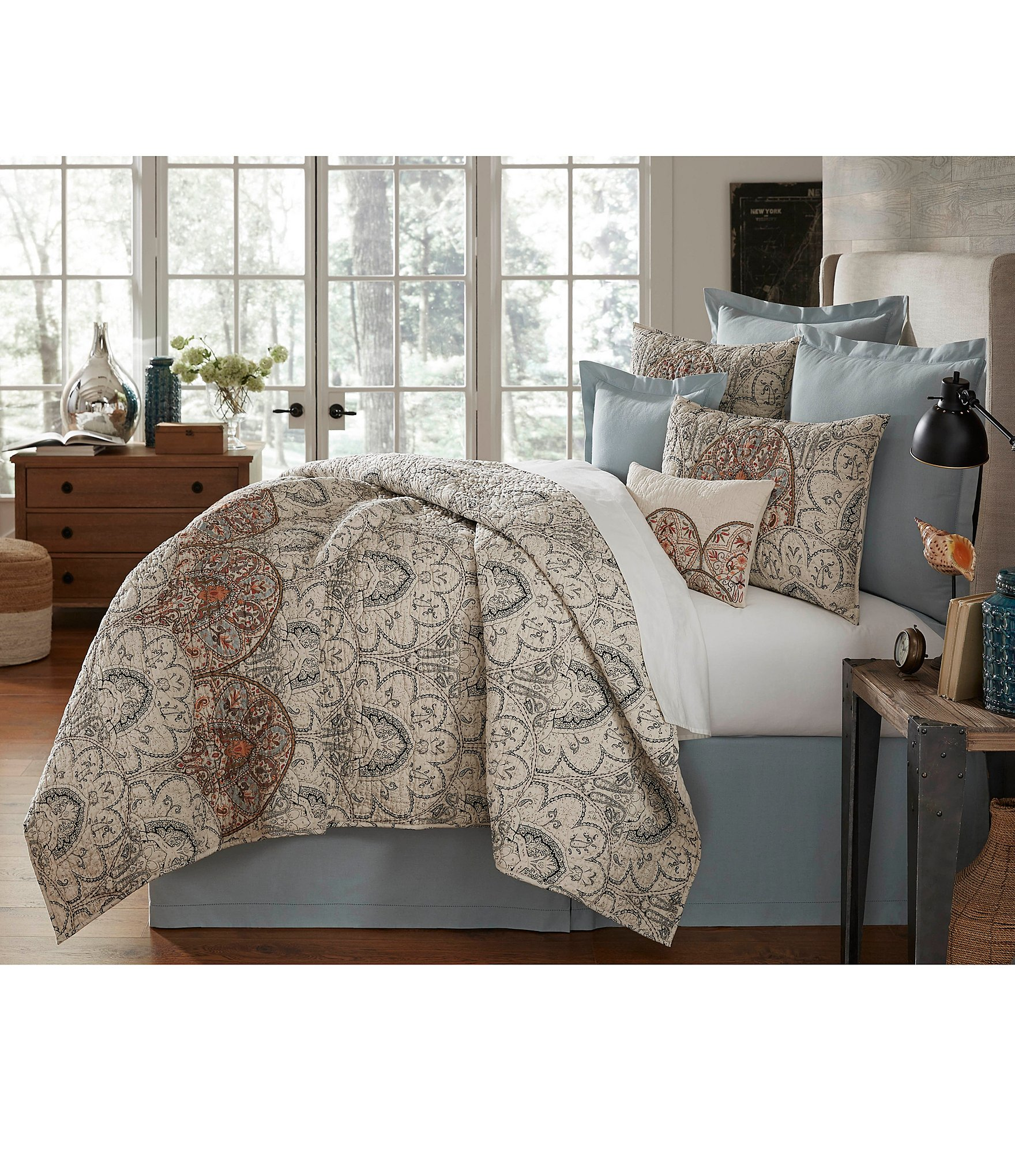 Villa by noble excellence palma floral scroll cotton quilt - Kidshome palma ...